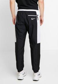 Nike Sportswear - AIR - Verryttelyhousut - black/white - 2