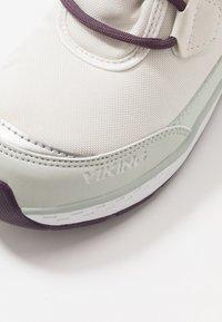 Viking - SOLLI GTX - Winter boots - eggshell/light green - 2