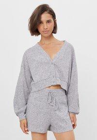 Bershka - Shorts - light grey - 0