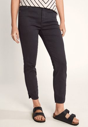 7/8-LÄNGE - Slim fit jeans - black
