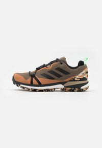 adidas Performance - TERREX SKYCHASER LT GTX - Trail running shoes - core black/glow mint - 0