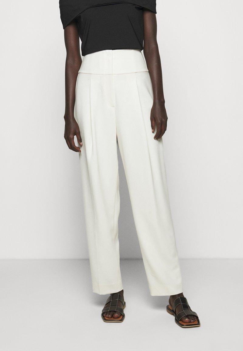 Theory - PLEAT CARROT ADMIRAL - Pantalon classique - rice