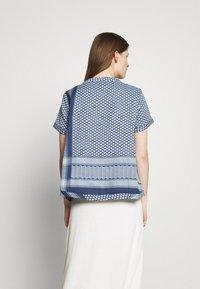 CECILIE copenhagen - T-shirts med print - twilight blue - 2