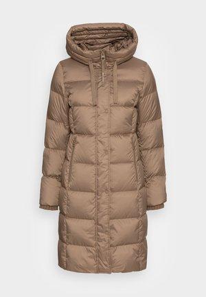 Kabát zprachového peří - nutshell brown