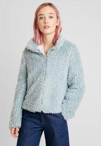 Vero Moda - VMVIRIGINIATEDDY HIGH NECK - Zimní bunda - slate - 0