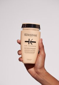 KÉRASTASE - CURL MANIFESTO BAIN HYDRATATION DOUCEUR - Hair treatment - - - 6