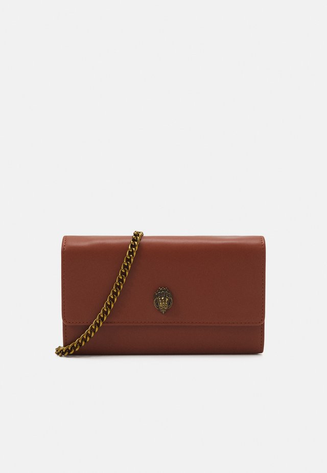 KENSINGTON CHAIN WALLET - Schoudertas - tan