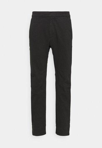 LOUNGE UTILITY JOGGER - Pantalon classique - black
