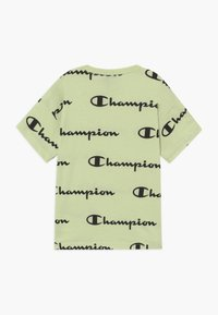 Champion - LEGACY AMERICAN CLASSICS CREWNECK - Print T-shirt - mint - 1