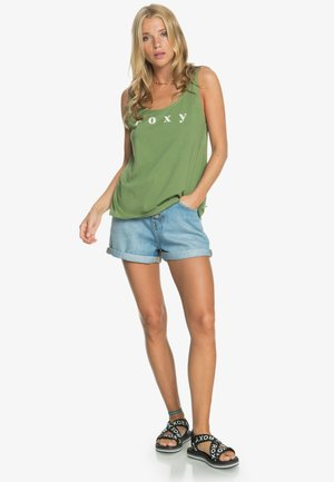 Top - vineyard green