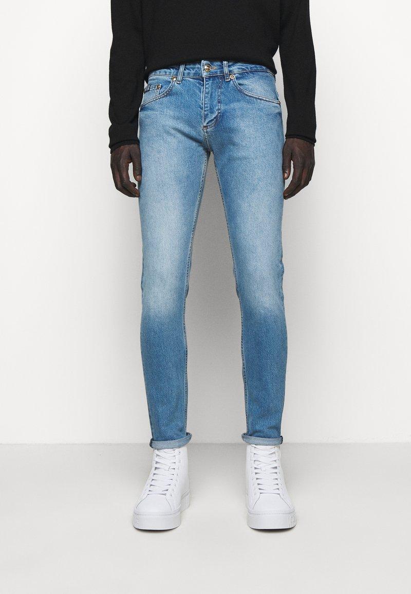 Versace Jeans Couture - DEBBIE  - Džíny Slim Fit - indigo