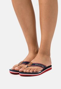 Tommy Hilfiger - SIGNATURE BEACH  - T-bar sandals - red/white/blue - 0