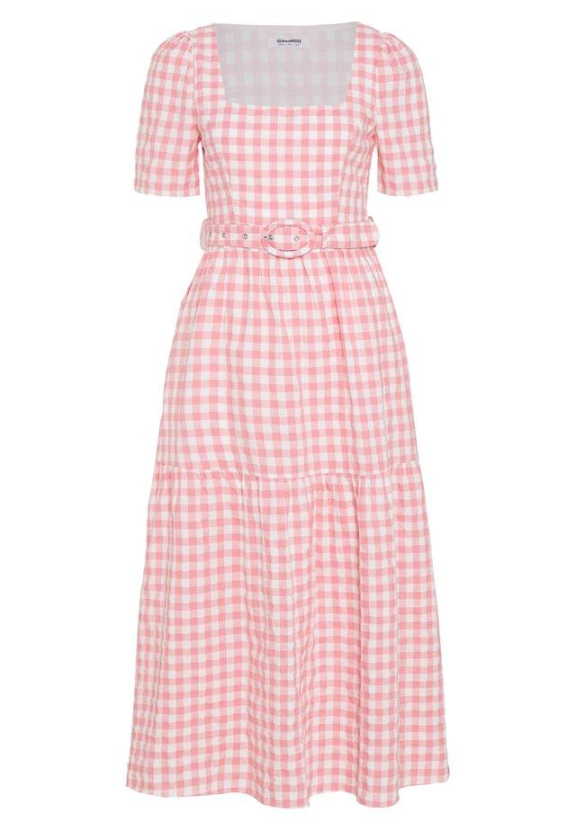 SHORT SLEEVE GINGHAM MAXI DRESS - Maxikjole - pink