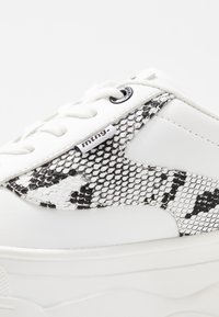 mtng - TOP - Sneakers - blanco - 2