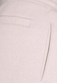 Redefined Rebel - PRAS UNISEX - Shorts - violet ice - 2