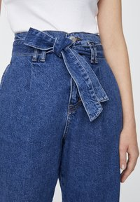 PULL&BEAR - Jeansy Relaxed Fit - blue - 4