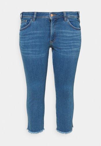 FRAYED HEM - Slim fit jeans - clean mid stone blue denim