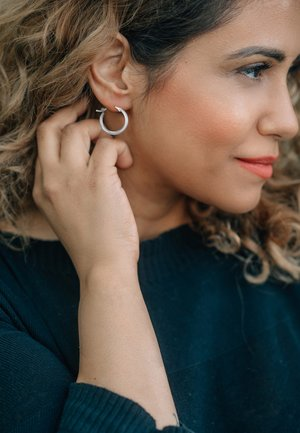 CREOLE - Earrings - silberfarben poliert
