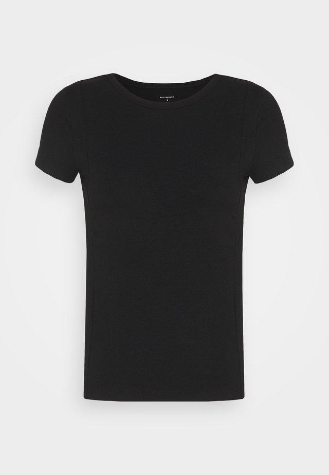 PINTUCK TEE - Jednoduché triko - black