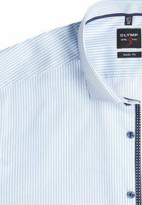 OLYMP Level Five - SLIM FIT BUSINESS AUS TWILL MIT EXTRA LANGEM ARM - Shirt - weiß - 1