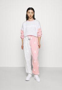 Missguided Petite - PLAYBOY JOGGERS - Tracksuit bottoms - grey - 1