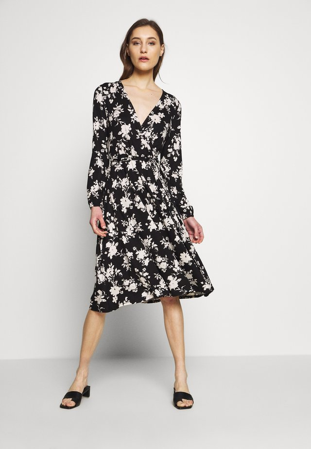 MONO FLORAL WRAP MIDI DRESS - Jerseykjole - black