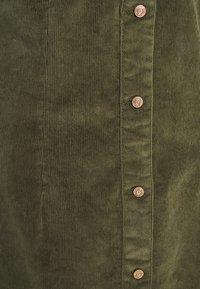 Noisy May - NMLISA BUTTON DRESS  - Kjole - kalamata - 2