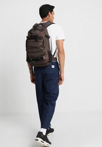 Forvert - LOUIS - Rucksack - dark brown - 1