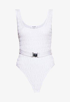 RAVE MISSBEHAVE RUCHED BELTED BODYSUIT - Top - white