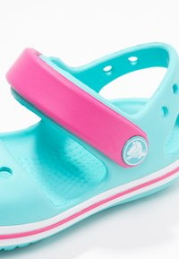 Crocs - CROCBAND KIDS - Pool slides - pool/candy pink - 5