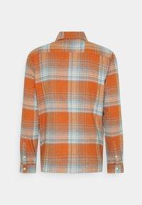 Folk - PATCH - Shirt - blue amber - 1