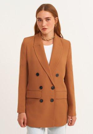 Short coat - lone
