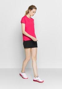ASICS - Camiseta estampada - pixel pink - 1