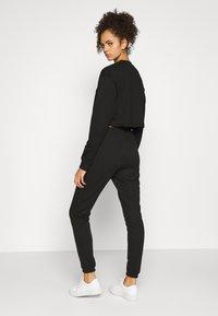 Missguided Tall - CROP JOGGER COORD set - Sweatshirt - black - 4