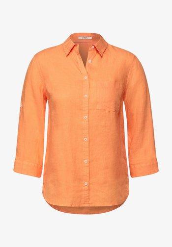 MIT 3/4 ÄRMEL - Button-down blouse - orange
