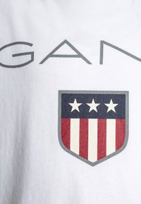GANT - SHIELD LOGO UNISEX - Camiseta estampada - white - 2