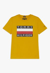 Tommy Hilfiger - ESSENTIAL TEE - Triko spotiskem - yellow - 0