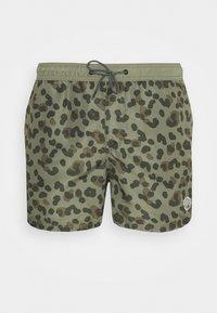 JJIBALI JJSWIMSHORTS ANIMAL - Swimming shorts - deep lichen green