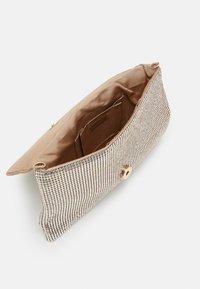 PARFOIS - CROSSBODY BAG MINI - Across body bag - gold - 2