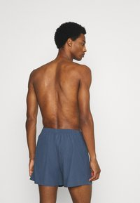 Pier One - 5 PACK - Boxer shorts - dark blue/blue - 1