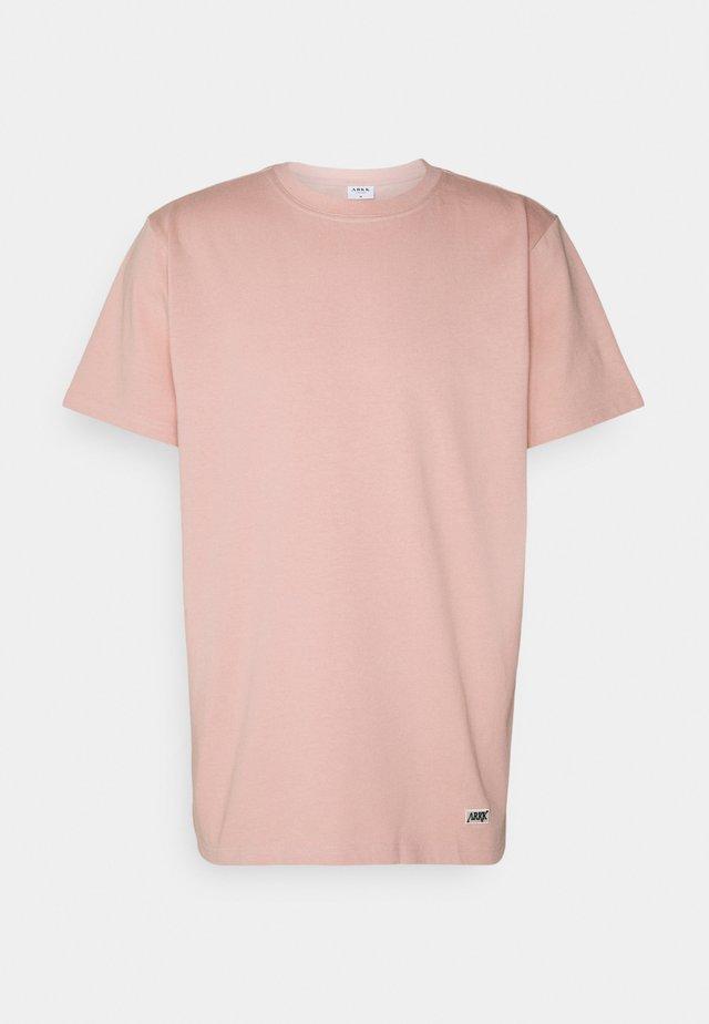 BOX LOGO TEE - Basic T-shirt - rose blush