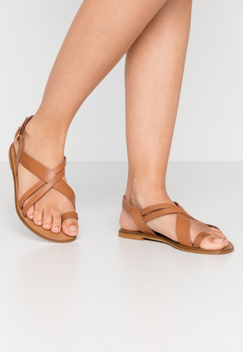 Office Wide Fit - SERIOUS - T-bar sandals - tan