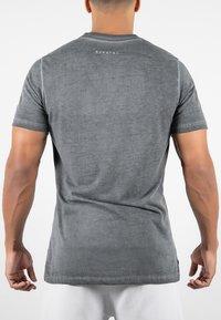 MOROTAI - ACTIVE DRY - Basic T-shirt - black - 1