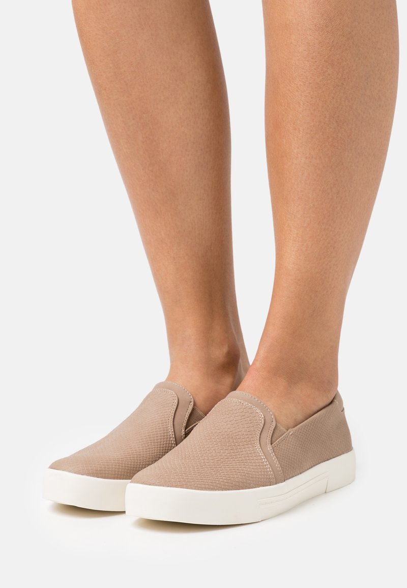 Call it Spring - NORTHELLE - Slip-ons - light brown
