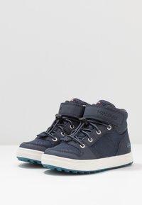 Viking - JAKOB MID GTX - Hiking shoes - navy - 3