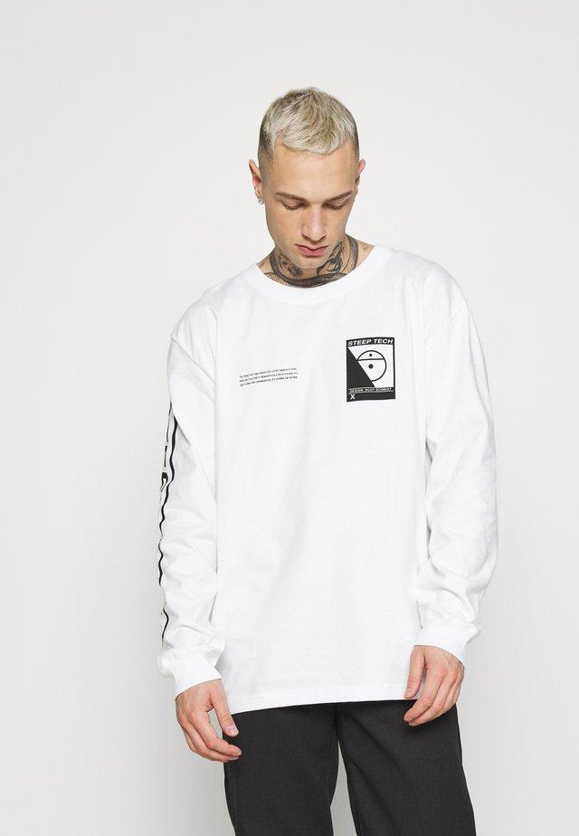 STEEP TECH TEE UNISEX - Long sleeved top - white