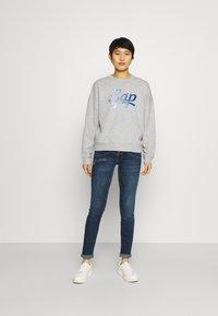 GAP - OMBRE - Sweatshirt - light heather grey - 1