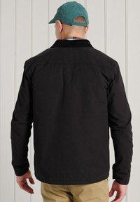 Superdry - UTILITY - Light jacket - black wax - 1