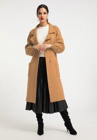 faina - Manteau classique - kamel - 1