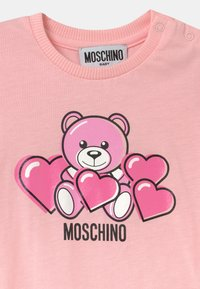 MOSCHINO - ROMPER WITH GIFT BOX - Jumpsuit - sugar rose - 2